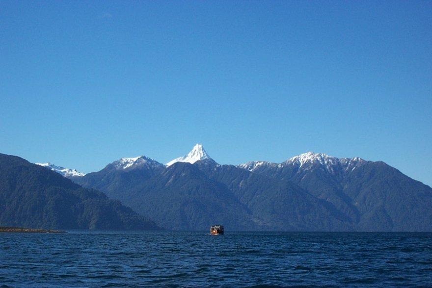 Lago Todo los Santos seenregion chile vulkane allerheiligensee lake crossing
